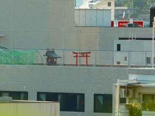 100831h_西宮北口駅南東側から鳥居.jpg