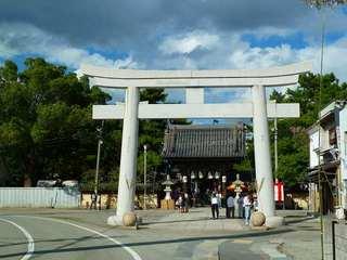101010c_神社鳥居.jpg