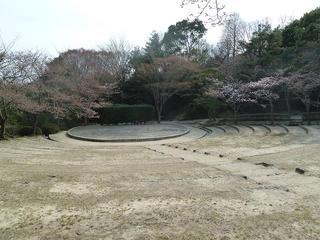 110403g_639_甲山森林公園野外ステージ.jpg