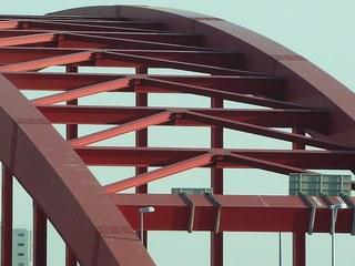 111020_449_北側から神戸大橋ズーム.jpg